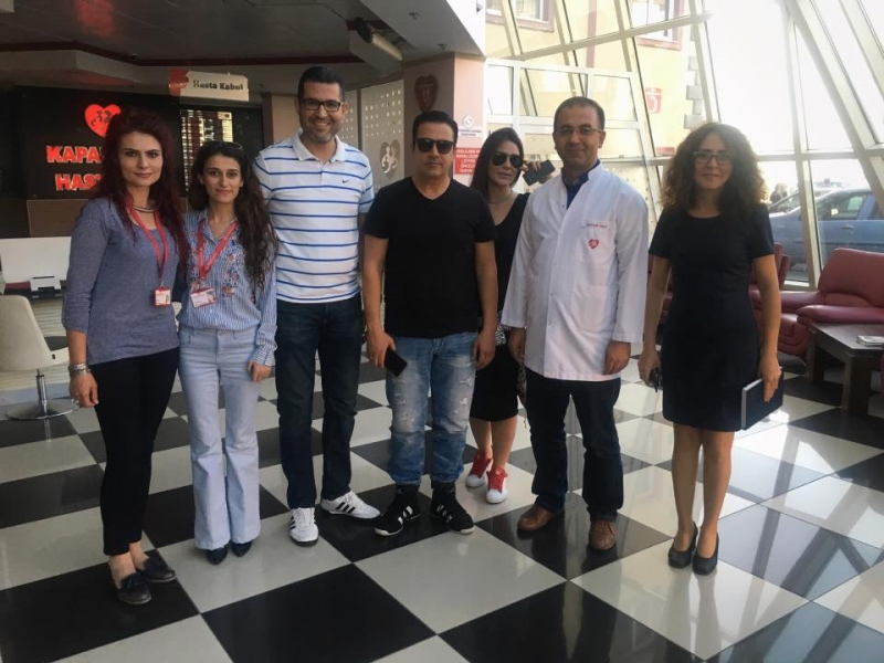 Ünlü sanatçı EMRAH, Başhekimimiz Dr.Fatih YAKUT'u ziyaret etti