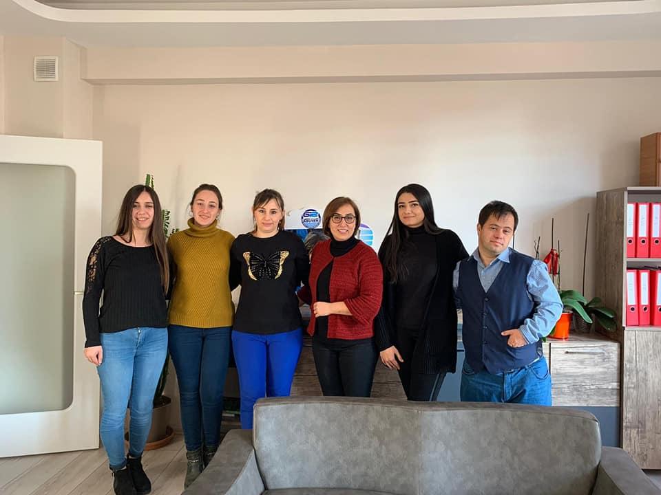 Dünya Engelliler Günü adına Hastanemiz Fizik Tedavi ve Rehabilitasyon Uzmanı Dr. Melek Kuloğlu ve Fizyoterapıst Aslıhan Dağ Nevşehir Güven Özel Eğitim ve Rehabilitasyon merkezini ziyaret ettiler